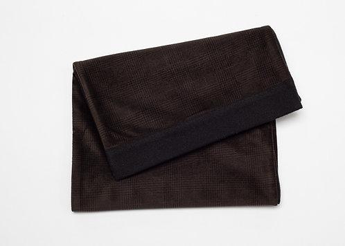 Двулицев шал в кафяво и черно каре
