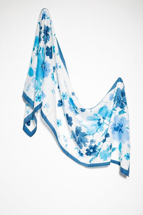 Памучен шал бял със сини цветя