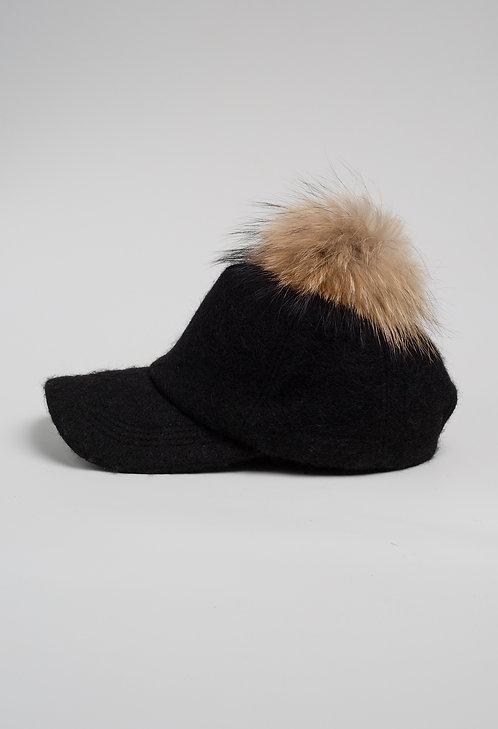 Вълнена шапка с козирка черна