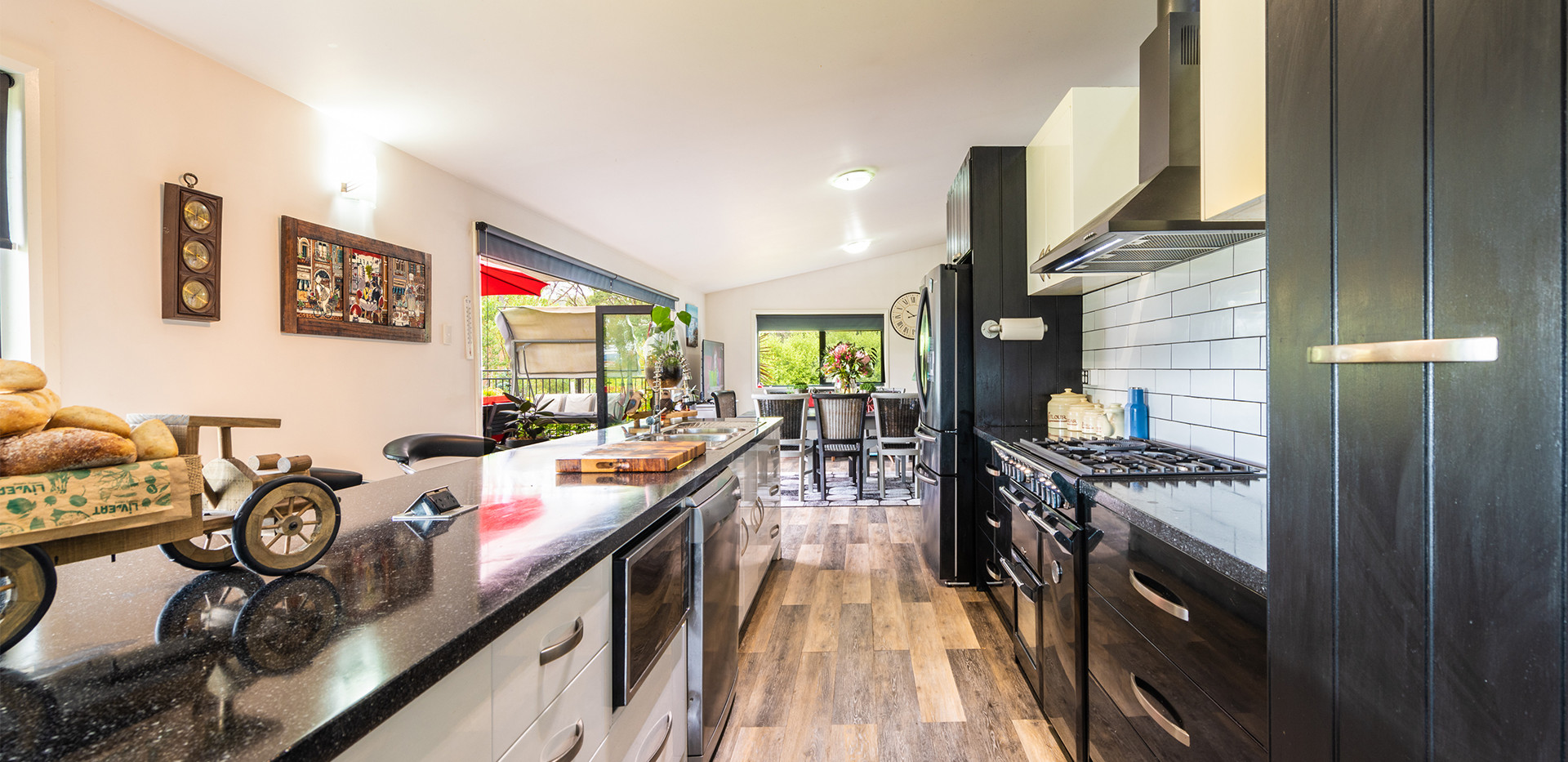 005-2272-old-channel-hwy-kitchen-1.jpg