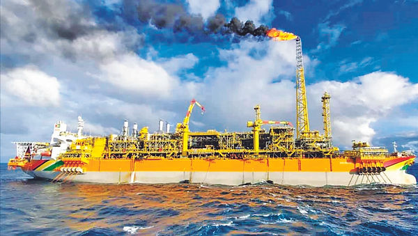 Exxons-Liza-Destiny-flaring.jpg