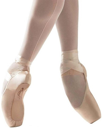Studio Pointe Shoe