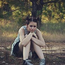 girl-526334_1280_edited.jpg