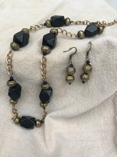 Antique Gold & Black Stones Necklace & Earrings