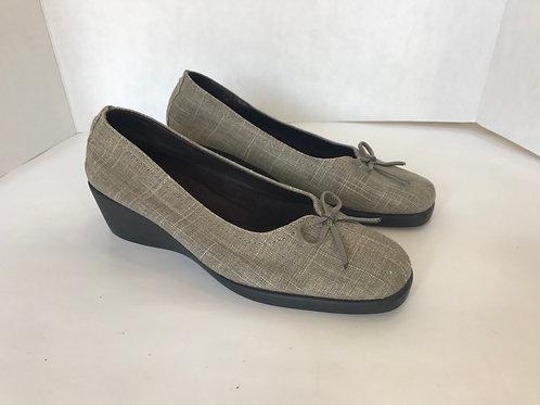 Aerosoles Texture Fabric Beige with wedge Heel