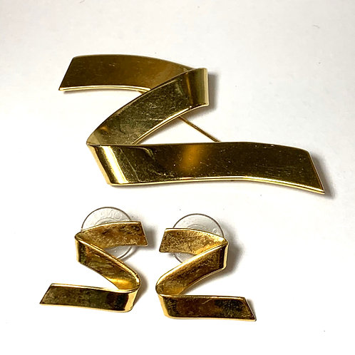 Gold Z Ribbon Earrings & Pin