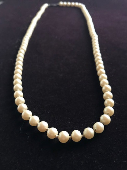 Strand of Pearls Necklace