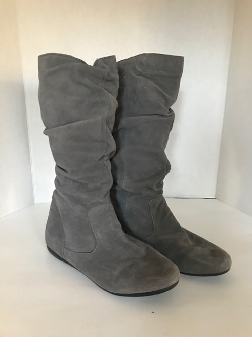 Canyon River Soft Gray Suede Boots