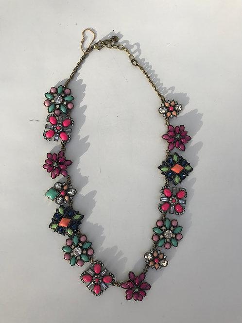 Loft Stone Flower Necklace