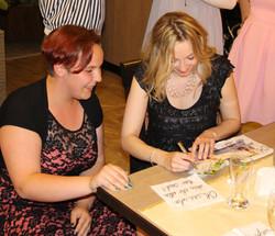 Autogrammstunde Laura