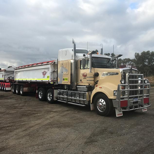 SRF Mack Transport