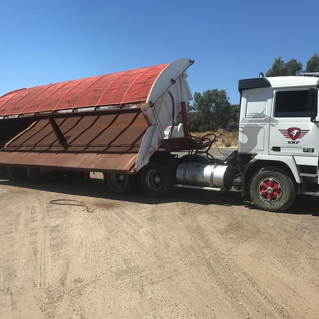 SRF Side Tipping Truck