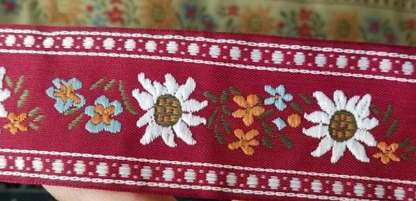 edelweiss scandinavian red