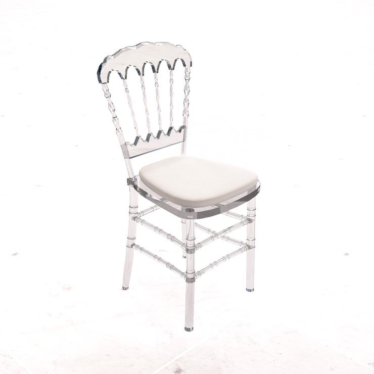 cadeira-dior-transparente-acento-branco.jpg