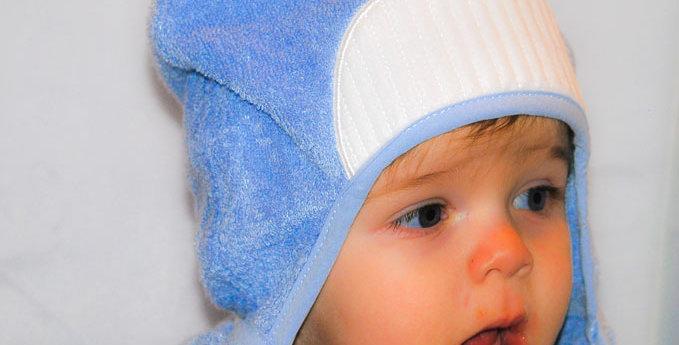 Bamboo Rayon Whale Hooded Turkish Towel: Baby