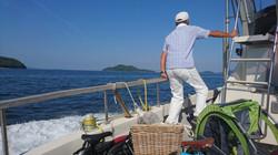 海上タクシーに乗り、瀬戸内の島をめぐります!
