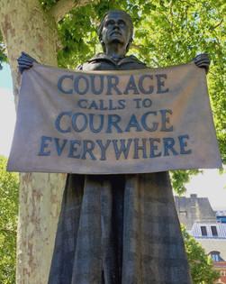 Millicent Fawcett statue, Parliament Squ