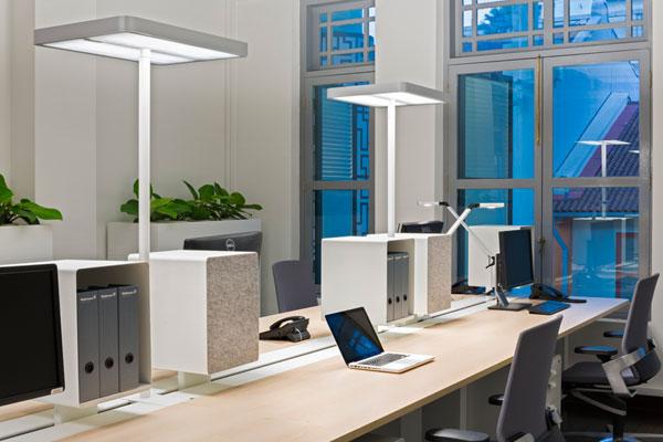 Lampadaire LED Ataro de Waldmann