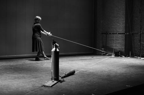 Objetos performáticos: a vida do objeto na cena contemporânea | Alice Cruz