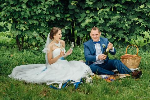 Что взять на летнюю свадебную прогулку?
