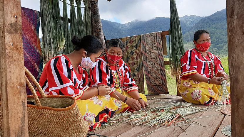 Tagolwanen Weavers.jpg