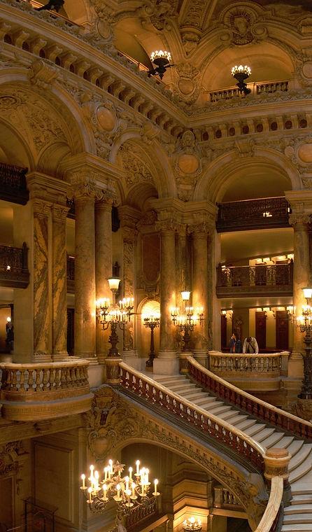 Opera_Garnier_Grand_Escalier_edited.jpg