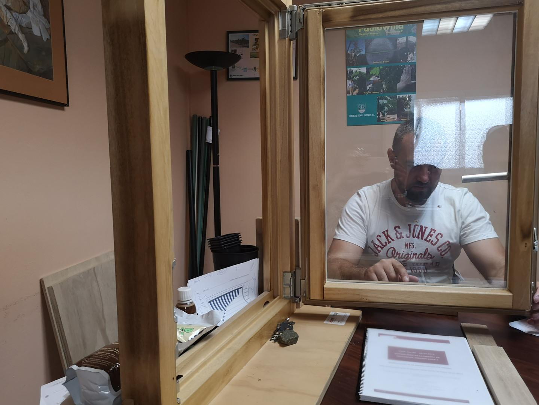 Ipari császárfa nyílászáró