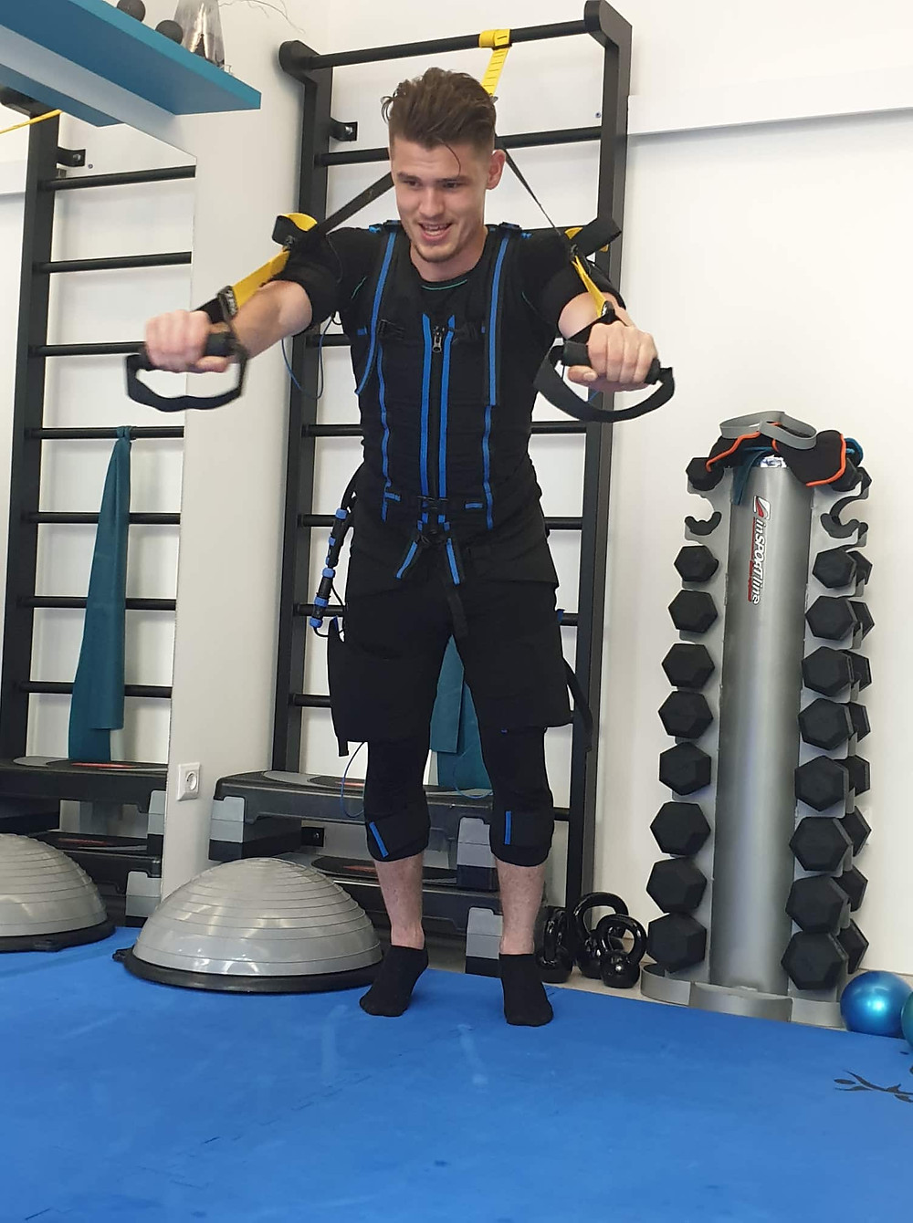 Fiáth Péter FlashFit E-fit Stúdió Pécs EMS fitness