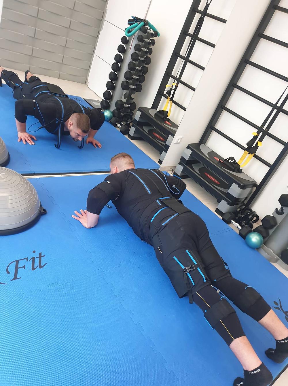 FlashFit - E-fit Stúdió Pécs erőnléti edzés sportolói vélemények