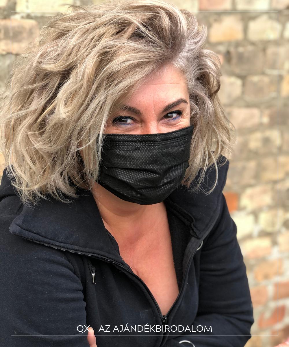 Fekete arcmaszk kényelmes fülpánttal
