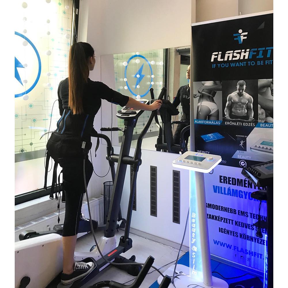 Erőnléti edzés FlashFit E-fit Stúdió Pécs - Kocsis Klaudia