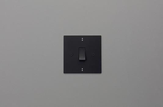 Dot black and Silver Straight.jpg