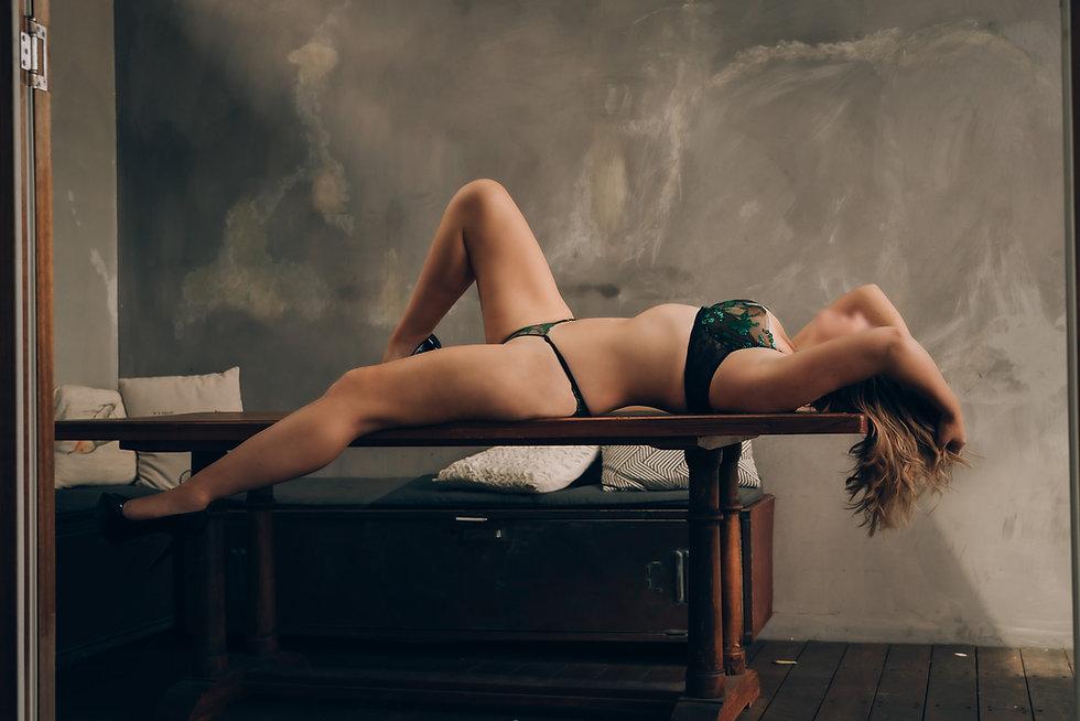 Elle Lush Perth Escort Green Lingerie 08