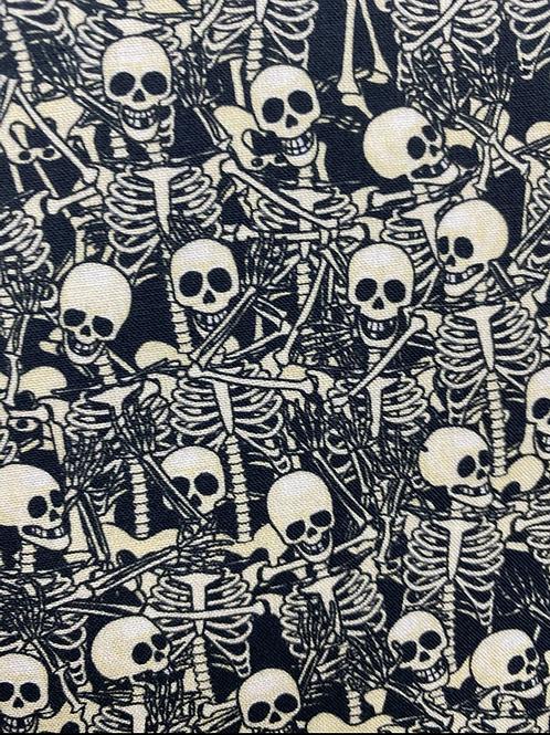 Skulls 100% cotton