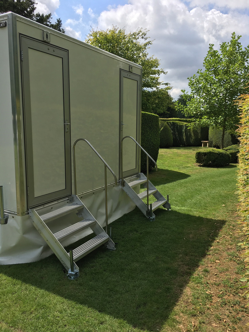 1 + 1 luxury toilet hire range