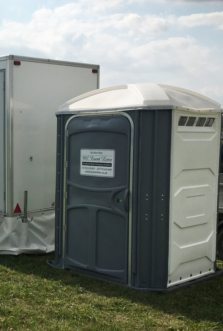 luxury toilet trailers with disbaled - C