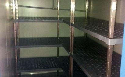 racking inside fridge freezer trailer 6.