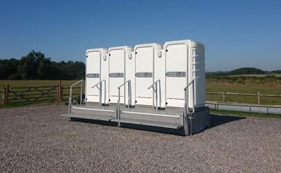 economy toilet trailer 3 + 1.jpg