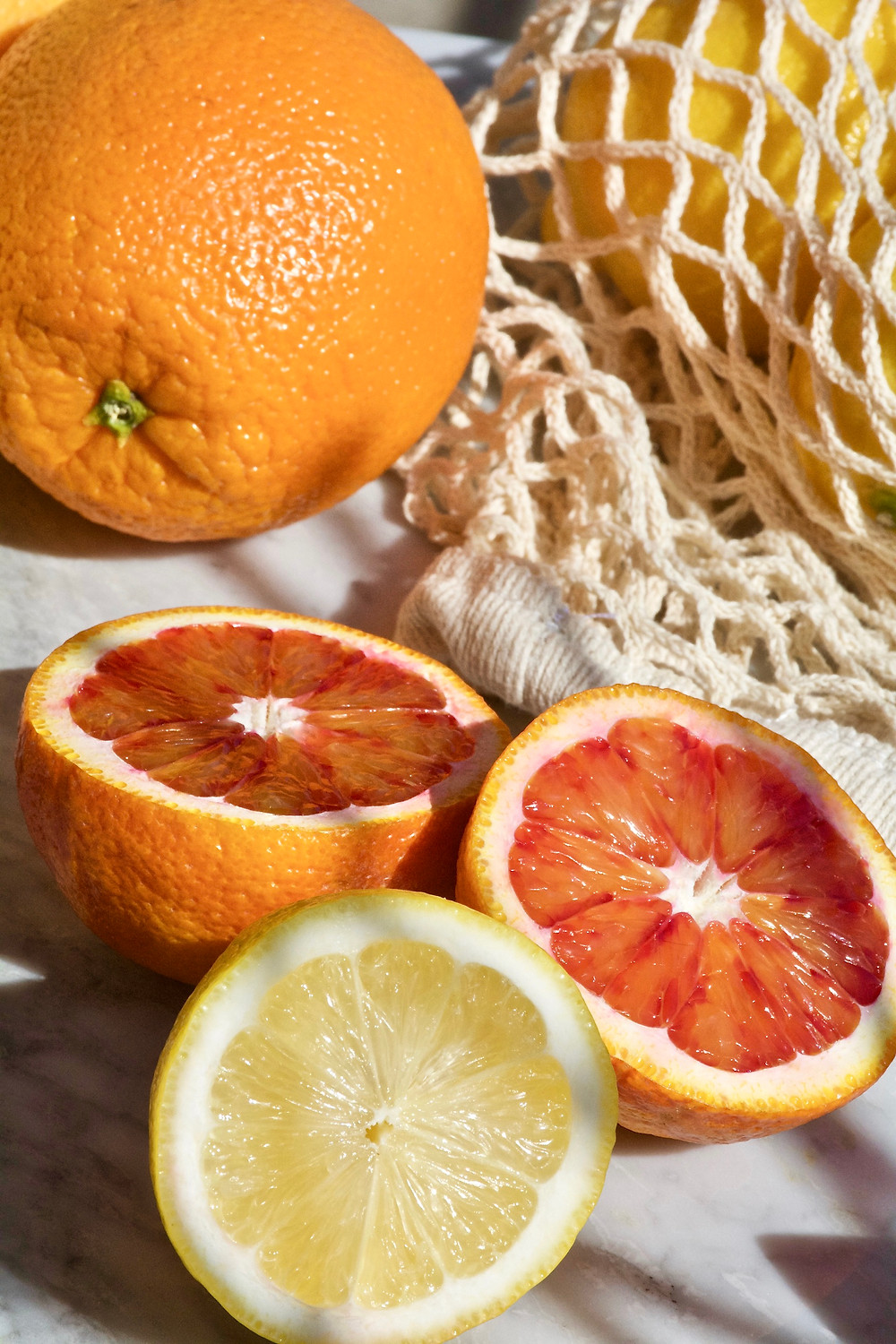 The Beauty Benefits of Nutrients, Clean Food, Beauty Food, Food for Beauty, Clean Eating, The Wellness Edit, The Beauty Edit, The Golden Edition, Health, Glass of Water with Lemon, Lemon Water, Orange, Blood Orange,  Lemons, citrus, Detox Water,