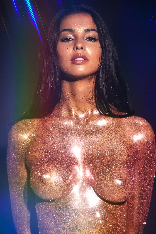 Golden Edition, The Beauty Edit Review, Mayillah, Glitter, Heavy Metal Editorial, Mac Cosmetics Glitter, Make Up For Ever Glitter, Glitter Makeup, Beauty Editorial , Body Glitter