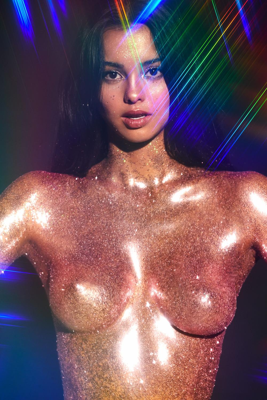 Golden Edition, The Beauty Edit Review, Mayillah, Glitter, Heavy Metal Editorial, Mac Cosmetics Glitter, Make Up For Ever Glitter, Glitter Makeup, Beauty Editorial, Body Glitter,