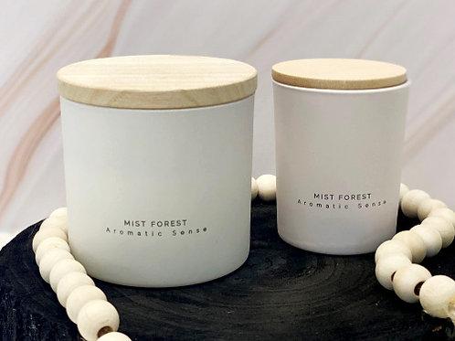 נר ריחני בכלי לבן - יער קסום -גודל לבחירה
