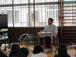 青木浩選手がアスリート講演会を行いました!