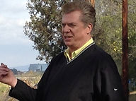 christopherMcDonald_golf1.jpg