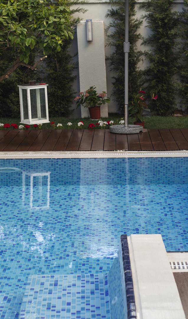 pool-5055009 (1).jpg