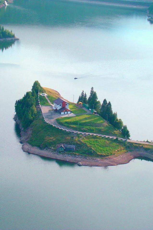 lacul colibita2910.jpg