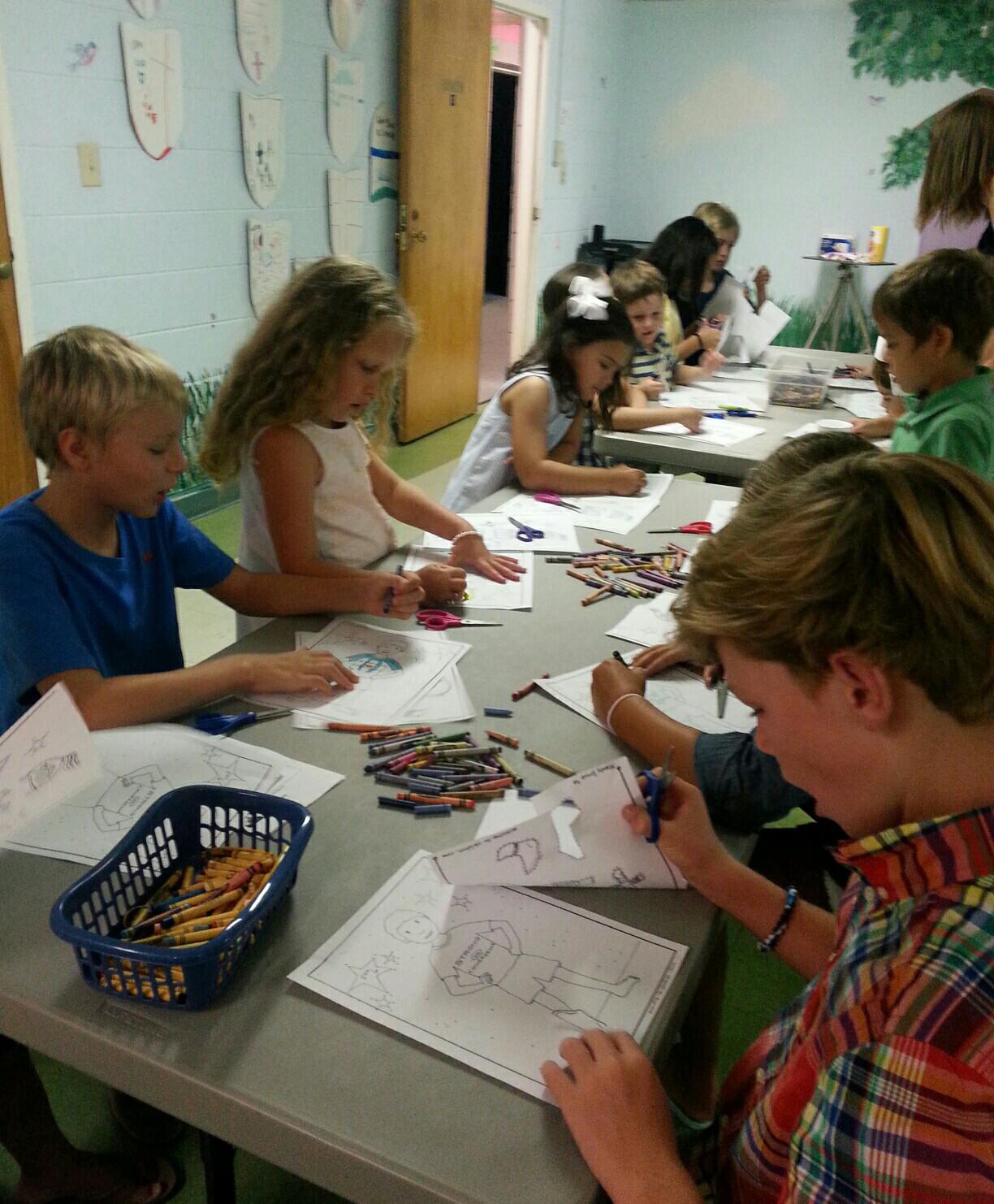 children working in SonValley
