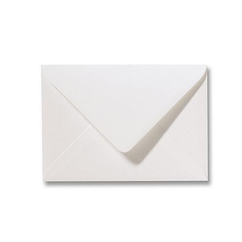 Structuur envelop gebroken wit
