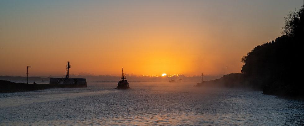Start of a fishing day - Panorama