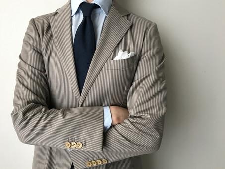 水玉刺繍のポケットチーフ